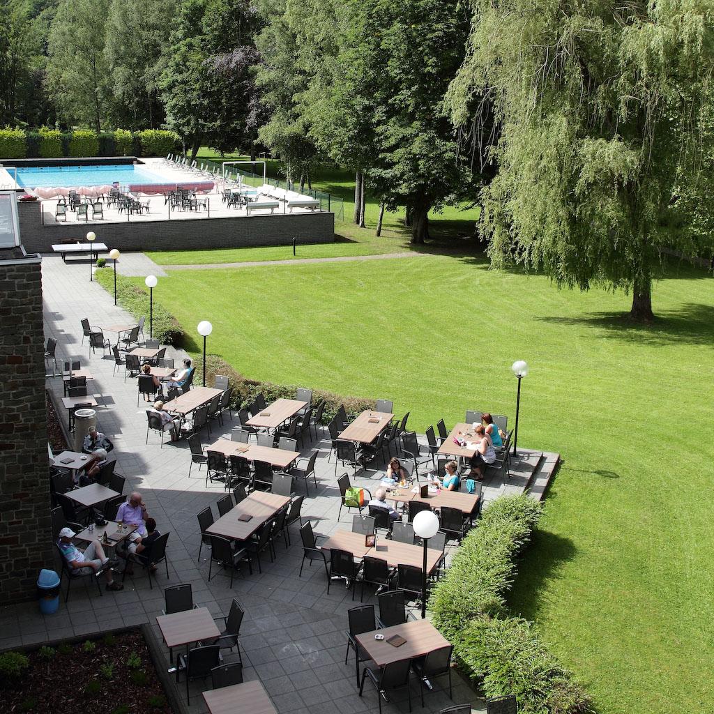 Park met tuin en terras Floreal La Roche-en-Ardenne
